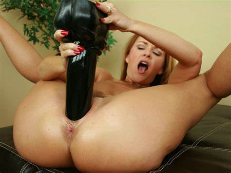 Mothers Slut Destroyed A Large Dildos Bitches Stretches Her Lips With Strap