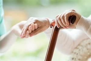 Pflege Für Ledersofa : pflege ein leitfaden f r den umgang mit demenz kranken magazin der ideal versicherung ~ Sanjose-hotels-ca.com Haus und Dekorationen