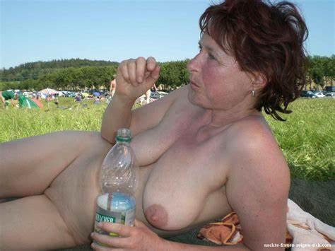 Nackt fkk paare beim Nudisten