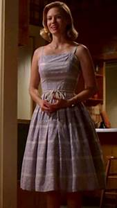 Light As A Feather Season 1 Episode 9 Wornontv Betty Draper S Blue Dress With Tie Waist On Mad