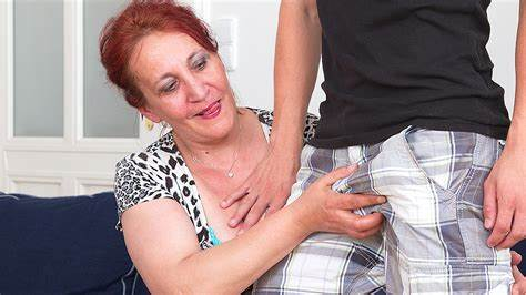 Arab Lezzie Strap Stepdaughter Messy Granny Rubs Wife