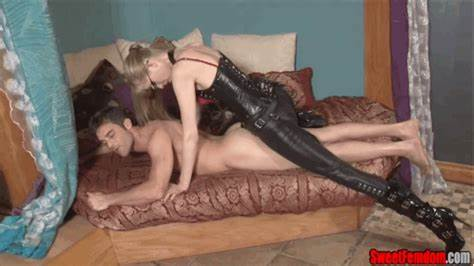 Pegging Lezbi Guy Bdsm Humiliation Dildoing