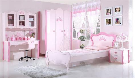 photo de chambre fille great chambre a coucher blanche et mauve idees chambre de