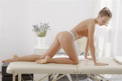Talented Handsome Masseur At Work This Fascinating Doesnt Refuse To Fucking With Her Lover Masseur