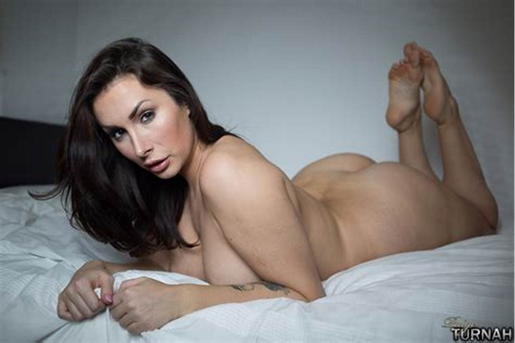 #Brunette #Milf #Pornstar #Paige #Turnah #Wakes #Up #Nude #And