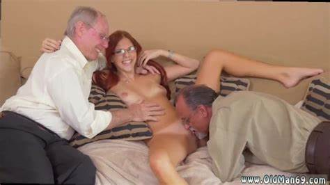 Pensioner Pussy Licking For Facials