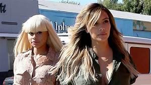 Kim Kardashian zeigt sexy-kurvigen After-Baby-Body ...