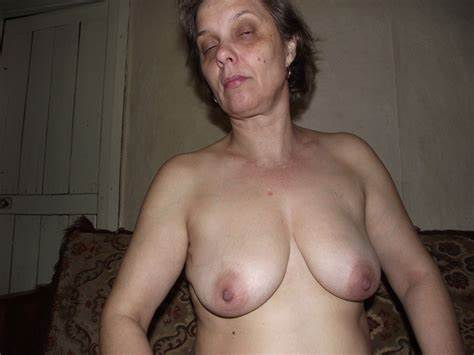 Moms Average Big Nipples Saggy Mirror