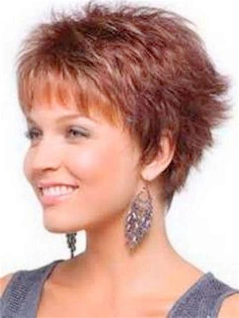 coupe de cheveux courte femme 50 ans jolies coupes de cheveux pour femme de 50 ans