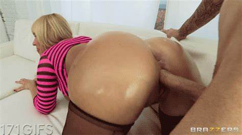 Biggest Asses Pics And Monster Lips Gifs mellanie monroe