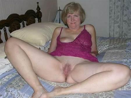 Nude Teens Bottomless