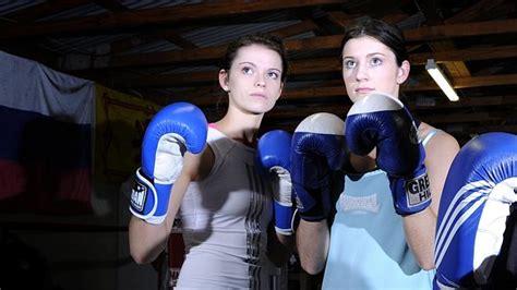Skye nicolson (born 27 august 1995) is an australian boxer. Logan boxer Beth Nicolson becomes first Australian female ...