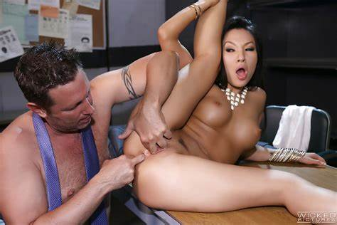 Vporn Slutty Latin Assfuck Licking Shemale