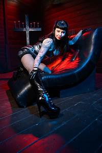 To Do List Daily Feature Interview Miss Maya Sinstress Domme Addiction