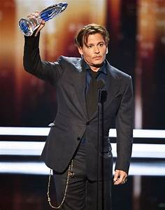 Johnny Depp Thanks Fans During 2017 People's Choice Awards ...