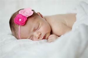 Baby Bettset Mädchen : niedliche babyfotos von einem kleinen m dchen ~ Watch28wear.com Haus und Dekorationen