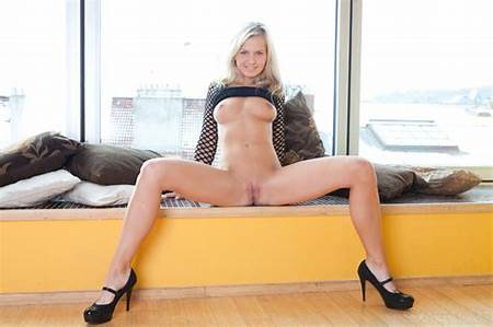 Photo Rapid Teen Bella Nude From