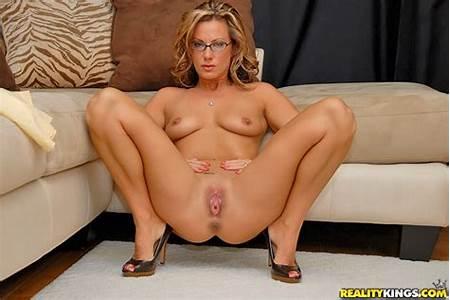Kristen Teen Nude
