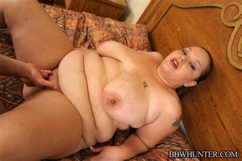Chubby Stuffed In The Bedroom Slim Hunter Tattoed Bitch Stuffing Her Babyface Twats With A Biggest