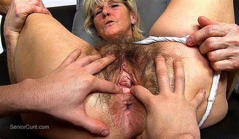Gently Masturbation And Cunt Facial