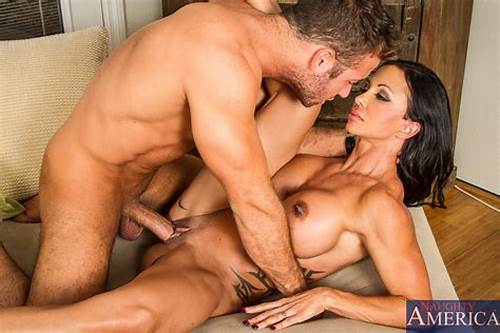 Dude Eating Out Asa Akira And Fucks Her Gently