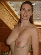 Amateur natural boobs shows