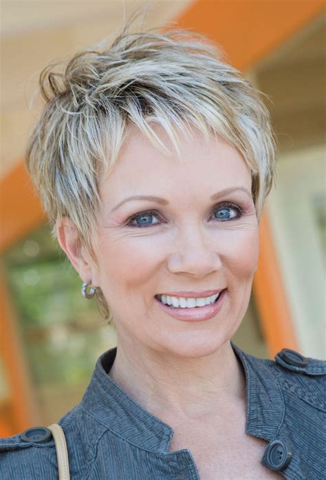 23 Easy Short Hairstyles for Older Women Cool short