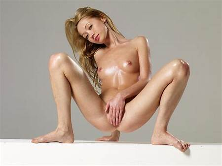 Artistic Teen Nude Woman