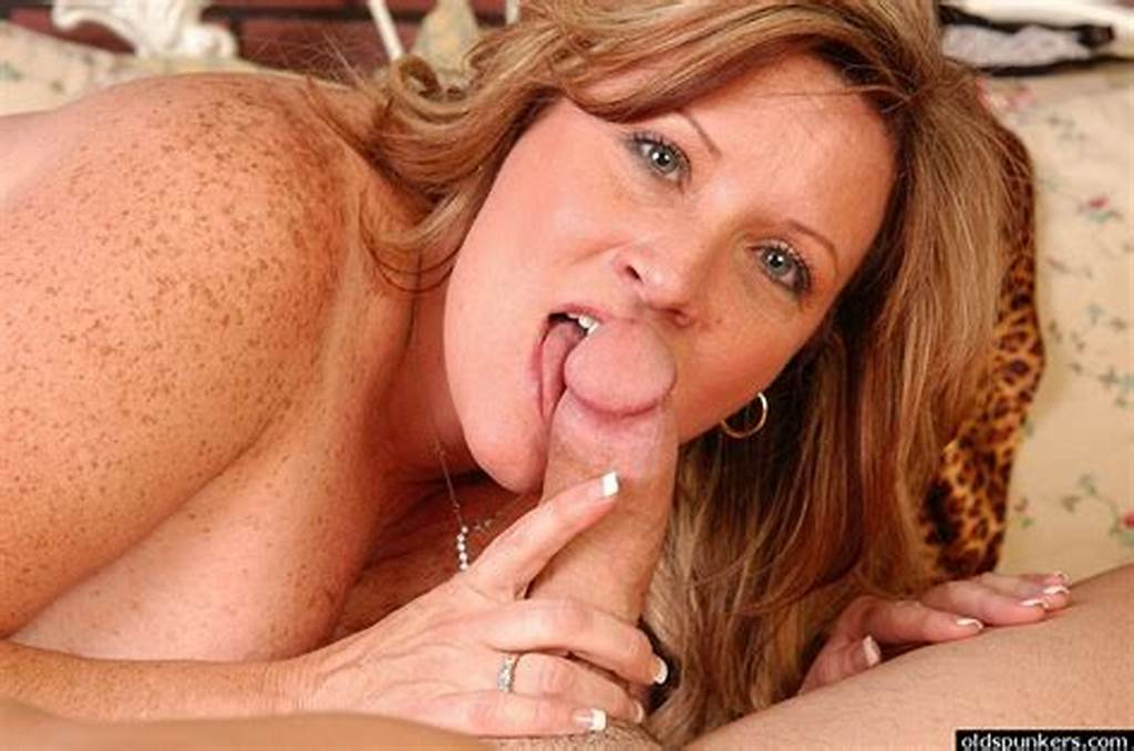 #Freckled #Mature #Fatty #Deedra #Eating #Sperm #After #Giving #A