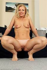 Blonde mature porn watch