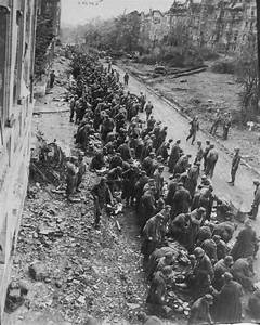 Escort A Dieppe : the lucky ones german pows caught by the americans line up in a street of an unidentified ~ Maxctalentgroup.com Avis de Voitures