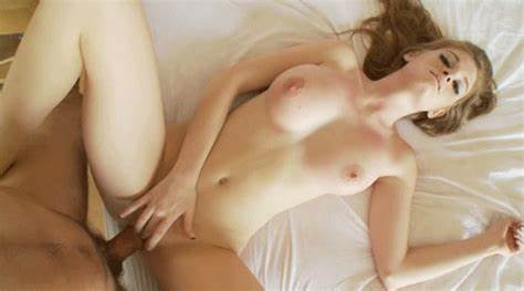 Pigtailed Shaved Scottish Housewife Playing With Her Muff