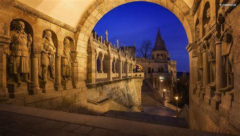 Atrakcje turystyczne i zabytki w budapeszcie. Dzielnica Varkerulet, Zabytek, Baszta Rybacka, Węgry ...