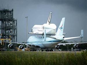 Endeavour atop NASA's Shuttle Carrier Aircraft [updated ...