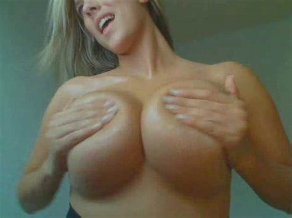 #Stunning #Blonde #Babe #With #Huge #Tits #On #The #Webcam #Shaking