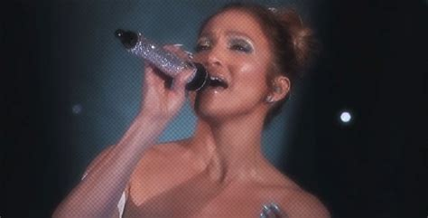 I went and listened to a couple of interviews. Diva Devotee: Watch JLo Tributes Selena With Medley ...