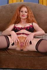 Red head milf squirter