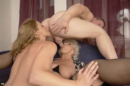 Lezbi Mature Gives Granny A Rimjob