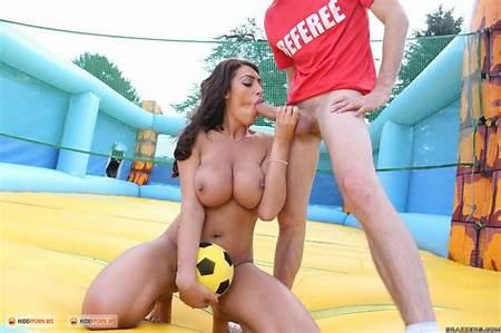 Nude Volleyball Teenage