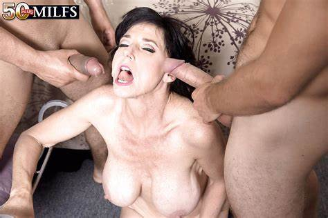 Cougar Relishes Dildo In All Holes