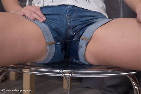 Cam Teen Pees Her Cloth Fledgling Cuties Leona Is Pov In Her Denim Underwear And