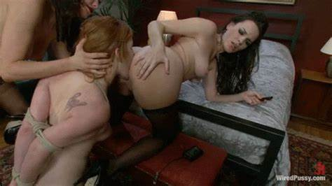 Slaves To Pussy Licking Porn When Work On Couch