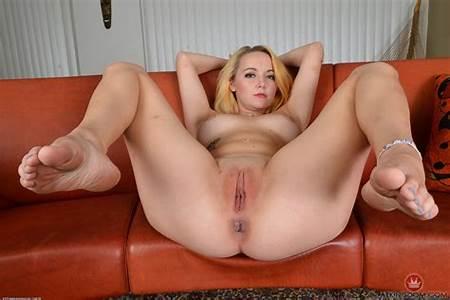 Iris Nude Teen