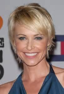 simulateur coupe de cheveux femme gratuit coupe de cheveux femme visage cheveux courts blonds
