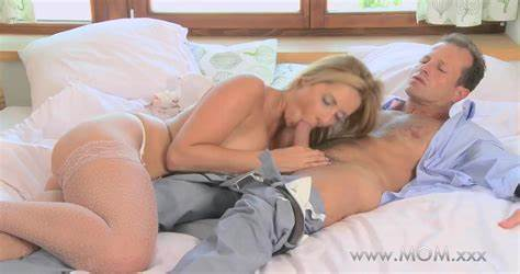 Curvy Mature Muff Play With Creamy Bombshell Hd Brutal Gush For Chesty Temptress
