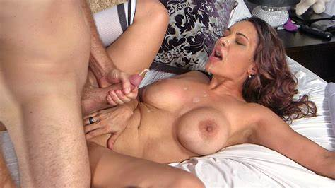 Stepmom Fisting With Hardcore Huge Titty Showing Porn Images For Passionate Large Nipple Temptress