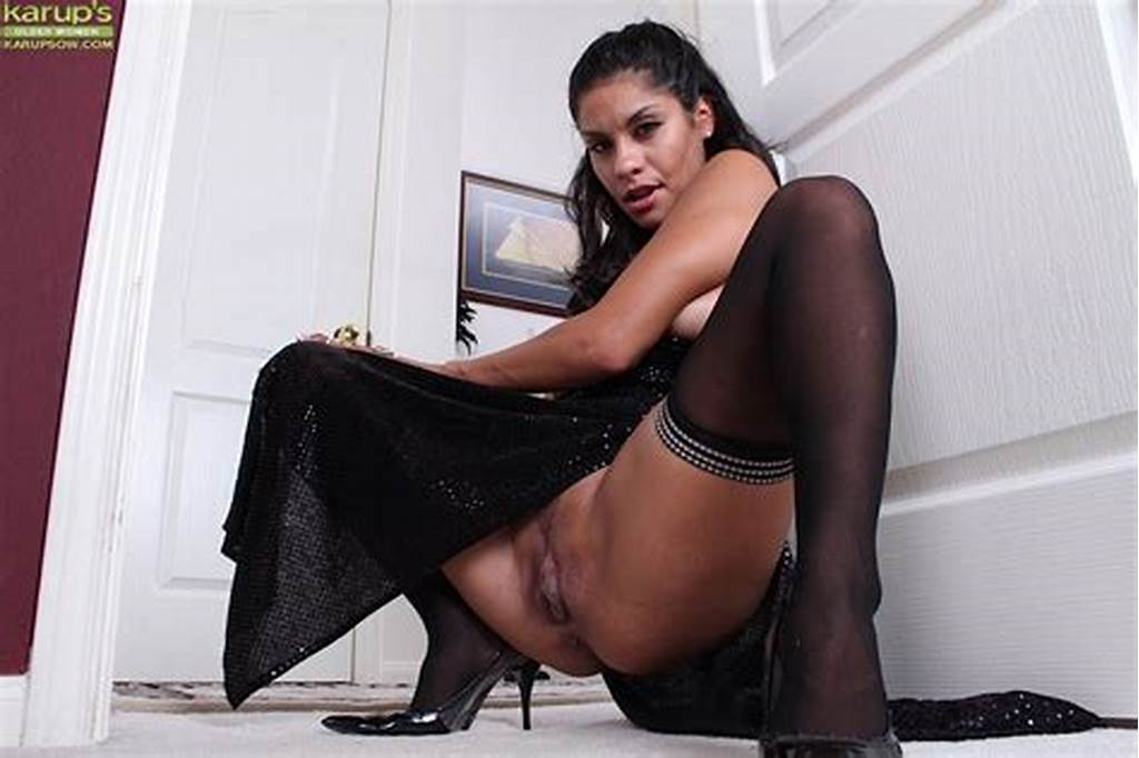 #Latina #Milf #Tommy #Boy #Flashing #Upskirt #Pussy #In #Sexy