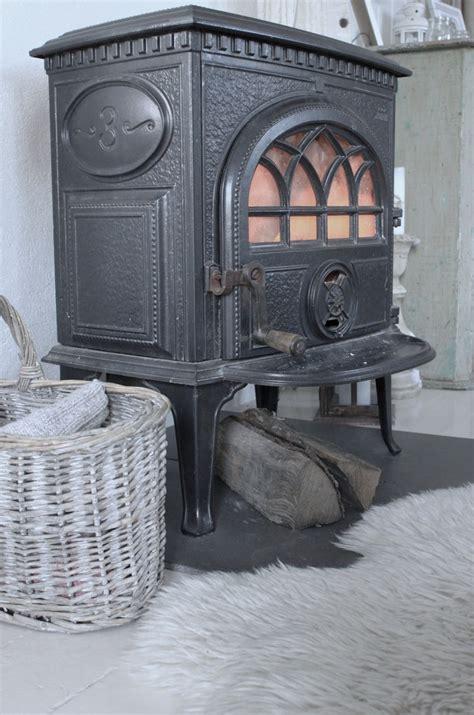 Bekijk meer ideeën over houtkachel, kachels, gietijzeren pannen. 201 best Classic and modern Scandinavian wood stoves. images on Pinterest | Wood burning stoves ...