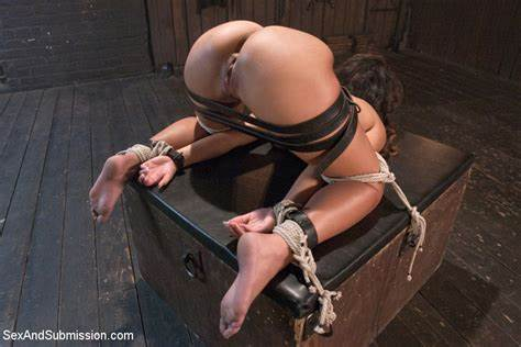 Com Dirty Rope Submission Erotic Face Teanna Trump At Drilled And Femdom