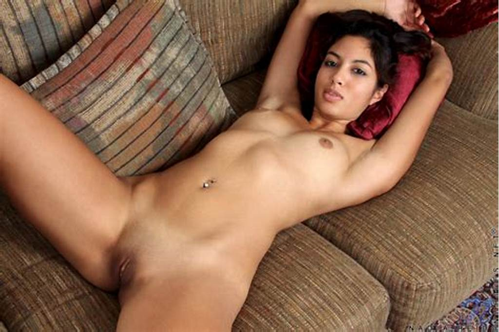 #Charming #Muslim #Bhabhi #Showing #Her #Shaved #Clit